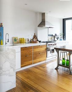 A FOOD STYLIST'S HOME IN TORONTO, CANADA | THE STYLE FILES