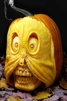 Today, there are various ideas about how to creatively design a pumpkin. What a good idea for pumpkin carving. There are many halloween pumpkin ideas that you could come across online and I'm here in order to provide you a little few examples. Humour Halloween, Bolo Halloween, Scary Halloween Pumpkins, Halloween Art, Halloween Decorations, Halloween Stencils, Halloween Vector, Halloween Wreaths, Halloween Witches