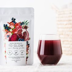 SKIN BERRIES - TO GLOW by Unique Muscle is a berry blend full of antioxidants, vitamins and minerals to help you glow from the inside out to improve overall skin health. Beauty Boost, Beetroot Powder, Vanilla Chai, Collagen Powder, Happy Skin, Healthy Nails, Vegan Beauty, Have You Tried, New Skin