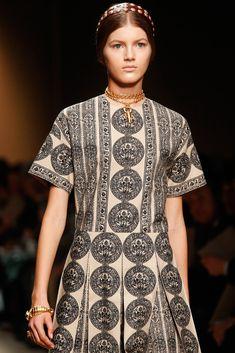 Valentino Spring 2014 Ready-to-Wear Collection Photos - Vogue