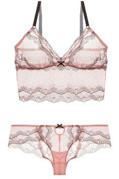 Designer lingerie Pijamas e Bridal Jolie Lingerie, Satin Lingerie, Lingerie Outfits, Pretty Lingerie, Beautiful Lingerie, Lingerie Sleepwear, Lingerie Set, Women Lingerie, Lingerie Dress