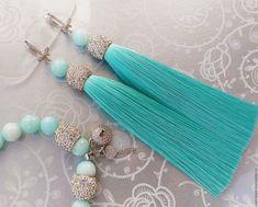 Tassel Jewelry, Soutache Jewelry, Fabric Jewelry, Cute Jewelry, Jewelry Crafts, Beaded Jewelry, Bridal Earrings, Beaded Earrings, Earrings Handmade