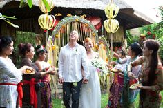 This is incredible! Unique work by  Royal Moments Bali http://www.bridestory.com/royal-moments-bali/projects/traditional-awesome