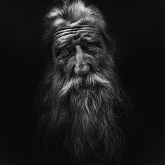 Lee Jeffries is an amazing contemporary portrait photographer. He specializes in homeless portraits. All of his images are extremely gritty and emotional. I don't know how he gets such great tonal ranges with his lighting. Portrait Male, Foto Portrait, Lee Jeffries, Black And White Portraits, Black And White Photography, People Photography, Portrait Photography, Photography Quotation, Photography Lighting