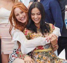 Riverdale Funny, Riverdale Cast, Veronica, Camilla Mendes, Cheryl Blossom, Pretty Little Liars, Foto E Video, It Cast, Funny Photos