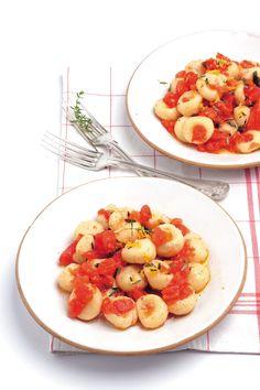 Gnocchi di ricotta con salsa di pomodoro crudo