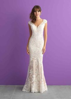 Wedding Dress Photos - Find the perfect wedding dress pictures and wedding gown photos at WeddingWire. Browse through thousands of photos of wedding dresses. V Neck Wedding Dress, Wedding Dress Styles, Designer Wedding Dresses, Bridal Dresses, Wedding Gowns, Bridesmaid Dresses, Lace Wedding, Wedding Ceremony, Prom Dresses