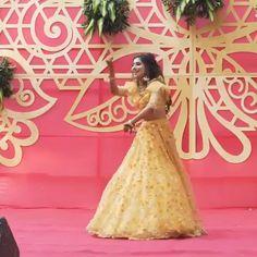 Indian Wedding Songs, Desi Wedding Decor, Indian Wedding Couple, Indian Wedding Photos, Indian Bridal Outfits, Mehendi Outfits, Wedding Dance Video, Wedding Videos, Bollywood Wedding