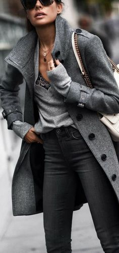- f a s h i o n - Winter Mode Look Fashion, Trendy Fashion, Winter Fashion, Womens Fashion, Fashion Trends, Trendy Style, Fashion Coat, Jackets Fashion, Classy Style