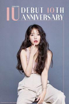 Top 10 Most Successful and Beautiful Korean Drama Actresses Iu Twitter, Kpop Mode, Kpop Hair, Selfies, My Life Style, Korean Actresses, Kpop Fashion, Celebs, Celebrities
