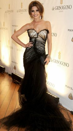 099cafcb5095 Cheryl Cole wearing Roberto Cavalli at Cannes What a dress! Black Tulle  over Short Dress