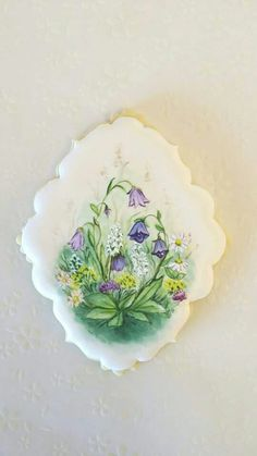 Handpainted spring flowers decorated cookies.  Cookie art.  galletas