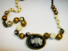 Beautiful Beads necklace with Cameo