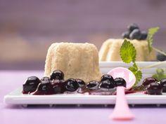 Grießpudding – smarter - mit Heidelbeerkompott - smarter - Kalorien: 214 Kcal - Zeit: 1 Std. 10 Min. | eatsmarter.de