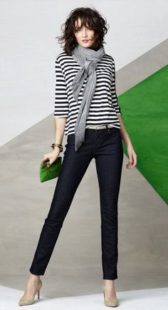 Ann Taylor ~ I would wear boot cut jeans. Skinny jeans only work if you are a size Trust me - 10 years from now, you will see a picture of yourself in skinny jeans and then destroy said picture. Mode Style, Style Me, Cool Outfits, Casual Outfits, Quoi Porter, Winter Mode, Work Fashion, Casual Chic, Winter Fashion