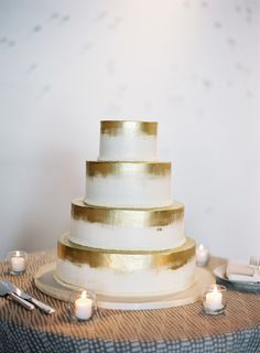 Gold detailed cake: http://www.stylemepretty.com/2015/04/21/modern-dc-art-gallery-wedding/ | Photography: Vicki Grafton - http://www.vickigraftonphotography.com/