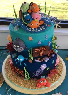 Fondant large finding nemo cake topper by katescakes1009 on Etsy
