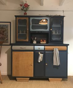 vintage home accents Tolle Buffet Mado Hugo - Vintage- und Mambel - Nantes - . Bespoke Furniture, Furniture Styles, Vintage Furniture, Modern Furniture, Office Furniture Design, Kitchen Furniture, Home Furnishing Stores, Christmas Accessories, Restaurant Furniture