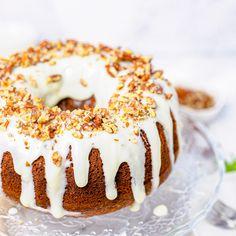 Hummingbird Bundt Cake via @danadevolk Cream Cheese Glaze, Cream Cheese Frosting, Hummingbird Bundt Cake Recipe, Pastry Brushes, Toasted Pecans, Serving Dishes, Delicious Desserts, Cake Recipes, Cheesecake