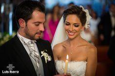 Un matrimonio no solo es un pacto, es una promesa de amor eterno. #Matrimonio #AmorEterno #DíaDeBoda #WeddingPhotography #FotógrafoDeBodas Gaby + Trino
