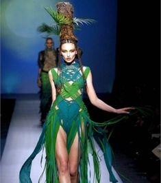 Le défilé haute couture collection printemps-été 2010 de Jean-Paul Gaultier, présenté hier à Paris, puisait son...