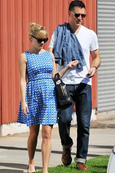 Reese Witherspoon baby bump watch