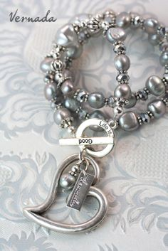 Vernada Uniikki -kaulakoru erisävyisistä harmaista makeanvedenhelmistä sekä lasi ja metallihelmistä. Tämä Vernada Uniikki -koru on myyty. Jewelry Design, Unique, Bracelets, Silver, Handmade, Fashion, Bangles, Moda, Money