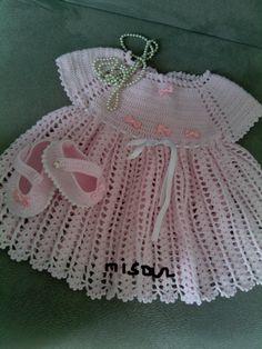 pembiş örgü bebek elbisesi