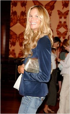 blue velvet- Elle Macpherson.  Not sure I could ever pull of her Sunny casual look, but I love it.