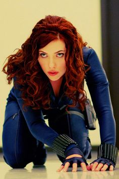 Scarlett Johanson. Wow me gusta ese color de pelo!