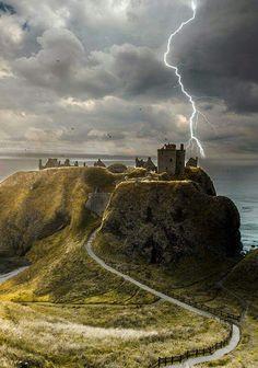 Dunnoter castle scotland.xx