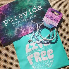 Just received my monthly club bracelet from @puravidabracelets  the bracelets are cute and colourful you can go ahead and jump in the water while still  wearing them. Shipping was actually super fast - I subscribed for the monthly club on dec 20th and 7 days later I received it  My favorite thing about these bracelets is that they are all hand made by local artisans from the beautiful country of Costa Rica  Everytime you purchase one of @puravidabracelets  jobs are created ! How cool is…