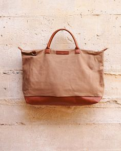 Want Les Essentiels De La Vie - Hartsfield Weekender Tote in Beige/Cognac