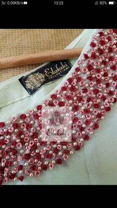 Hand Embroidery Design Patterns, Simple Embroidery Designs, Kurti Embroidery Design, Hand Embroidery Videos, Hand Work Embroidery, Embroidery On Clothes, Embroidery Flowers Pattern, Beaded Embroidery, Churidar Neck Designs