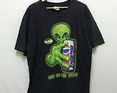 ผลการค้นหารูปภาพสำหรับ alien workshop shirt vtg