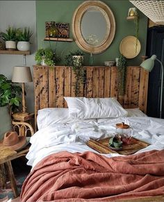 Appealing classic cozy bedroom decorations design and ideas that make people feel warm 14 Bohemian Bedroom appealing bedroom Classic Cozy Decorations Design Feel ideas PEOPLE Warm cozy home decor romantic Dream Rooms, Dream Bedroom, Home Bedroom, Bedroom Ideas, Modern Bedroom, Bedroom Designs, Master Bedroom, Bedroom Classic, Bed Ideas