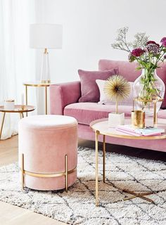 Pinky living room thoughts can be very pleasant to have. Lamentably, to produce the correct pink living room decor thoughts isn't something simple. You can't just place those pink-color… Design Living Room, Living Room Decor, Gold Living Rooms, Blush Living Room, Pink Sofa, Pink Velvet Sofa, Purple Velvet, Home Living, Modern Living