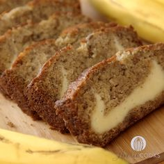 Cream Cheese-Filled Banana Bread This is the BEST homemade banana bread recipe! This cream cheese banana bread tastes like it has cheesecake baked in! Soft, fluffy and tastes ahhhh-mazing! Homemade Banana Bread, Paleo Banana Bread, Banana Bread Recipes, Banana Cheesecake Bread, Banana Recipes Videos, Bisquick Banana Bread, Homemade Breads, Easy Bread Recipes, Cake Recipes