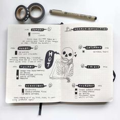 bullet journal octobre Its coming up to that spooky time of the year so we have put together 29 Spoooooky Halloween Bullet Journal Layouts and Spreads ideas! Bullet Journal Books, Bullet Journal Cover Page, Bullet Journal Ideas Pages, Bullet Journal Spread, Bullet Journal Layout, Bullet Journal Inspiration, Book Journal, Halloween Doodle, Spooky Halloween