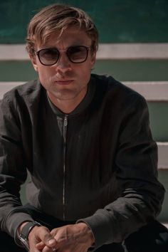 William Moseley, Behind The Scenes, Tv Series, Mens Sunglasses, Cinema, Content, Fictional Characters, Beautiful, Movies