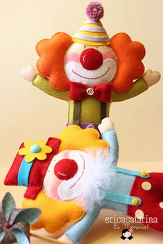 Felt clown. (Everything from this blog is so cute!)