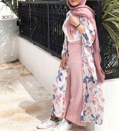 floral open cardigan-Hijab fashion and style – Just Trendy Girls Hijab Fashion Summer, Modest Fashion Hijab, Modern Hijab Fashion, Modesty Fashion, Hijab Chic, Abaya Fashion, Muslim Fashion, Mode Abaya, Iranian Women Fashion