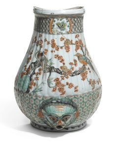 A Chinese famille-verte cistern, Qing Dynasty, Kangxi Period