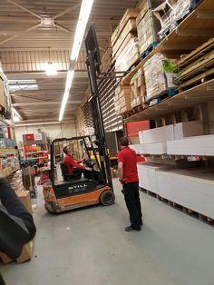 Personeel: Mensen die werken in een winkel