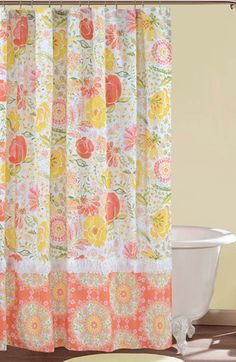 lovely #floral shower curtain  http://rstyle.me/n/i6ug5pdpe