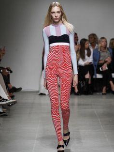 Iceberg Spring 2016 Ready-to-Wear Collection Photos - Vogue Vogue, Milano Fashion Week, Spring Summer 2016, Ss16, Fashion Prints, Fashion Show, Fashion 2015, Runway Fashion, Knitwear