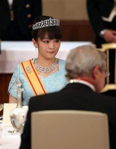 ベルギーのフィリップ国王夫妻を歓迎する宮中晩餐会に臨まれる秋篠宮ご夫妻の長女、眞子さま=11日、皇居・宮殿「豊明殿」
