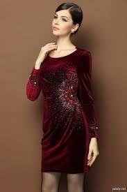 Image associée Velvet, Dresses With Sleeves, Elegant, Formal Dresses, Long Sleeve, Image, Design, Fashion, Gowns