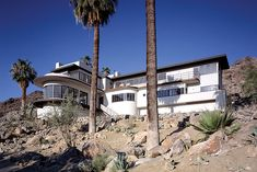 Ship of The Desert Palm Springs Architects: Earle Webster and Adrian Wilson.   Completed in 1937, this Streamline Moderne house was built for the Davidson family, owners of an East Coast department store chain.