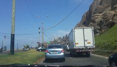 El tránsito vehicular en la Costa Verde se complicó debido a este camión malogrado [FOTOS]